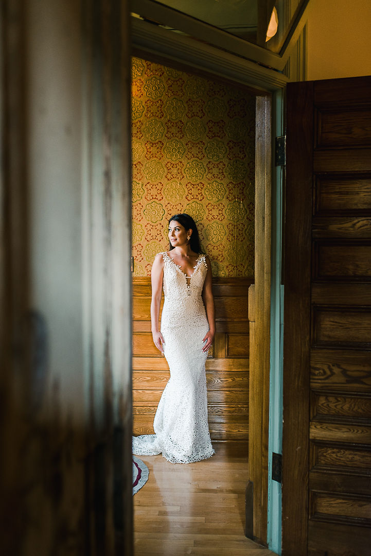 "Photo by <a href=""https://gingersnapphotography.ca/"">Gingersnap Photography</a>. Hair & Makeup by Madi Leigh of bride Paige of @cupcakesandkimonos."
